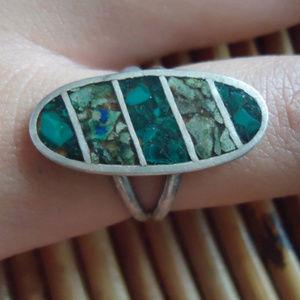 1960s Hippie Boho Silver & Chip Inlay Artisan Ring